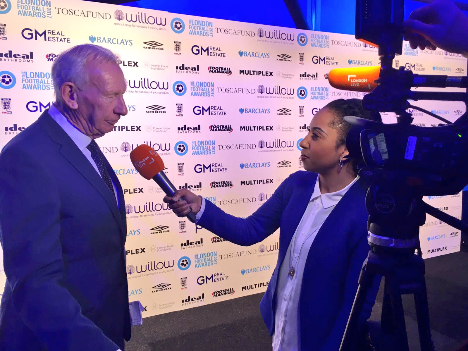 Chatting to @Willow_Fdn co-founder Bob Wilson at the #LondonFootballAwards ⚽️ #londonlive https://t.co/5TP83hW5PQ