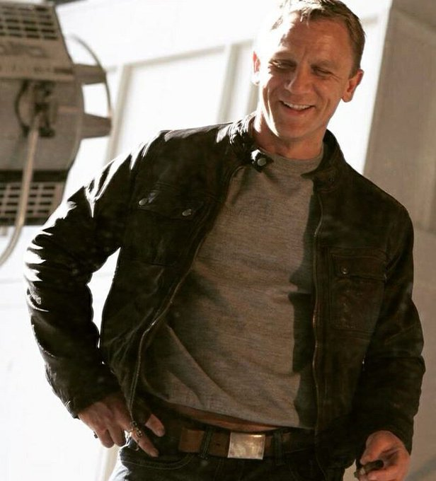 A very happy birthday to this lovely gentleman! May you have a great day, Daniel Craig!