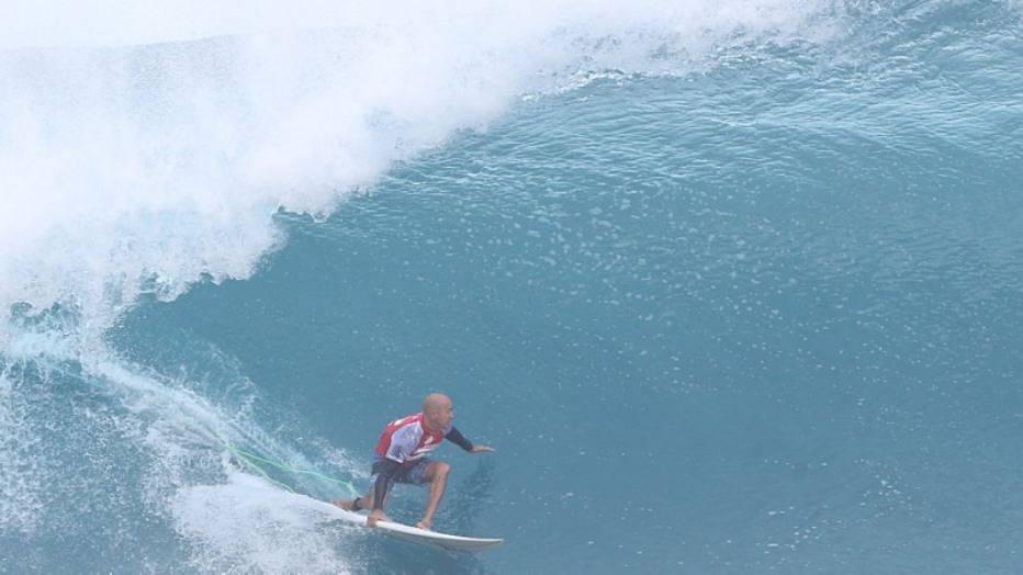 Após nova morte de surfista, Kelly Slater pede 'abate' de tubarões em ilha francesa https://t.co/p1H3ovaeS3