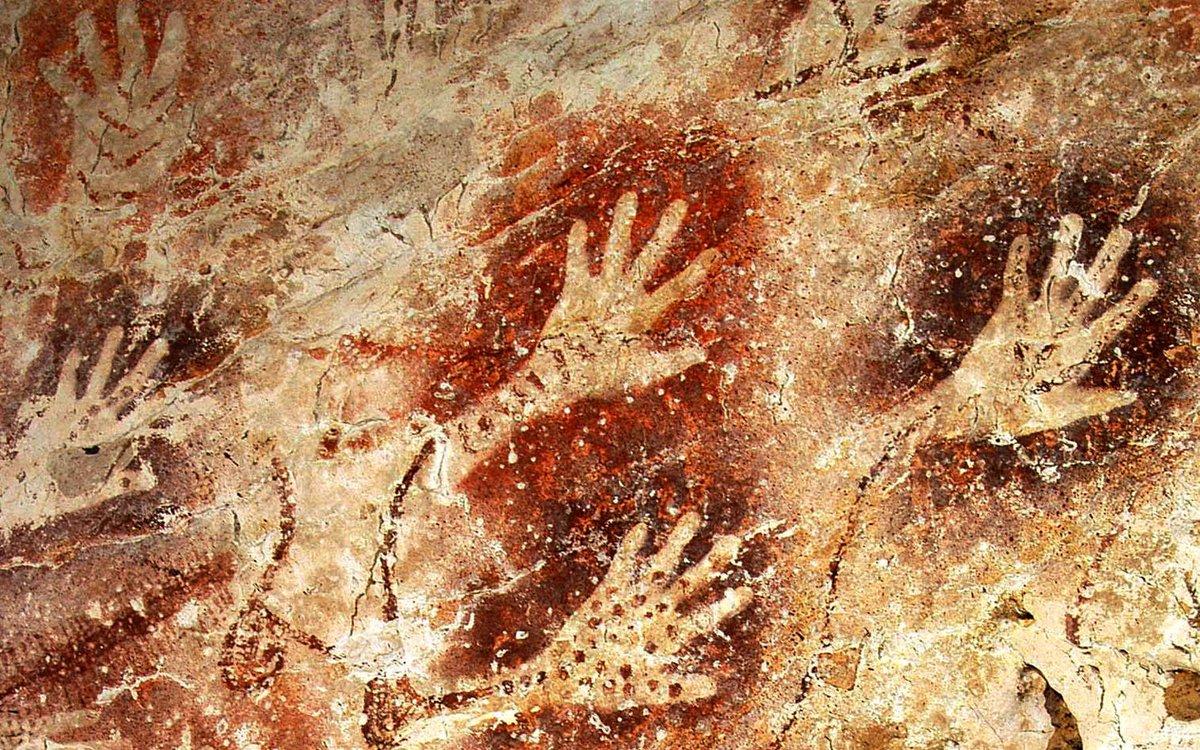 Image Representant Le Sport >> D'étranges peintures rupestres, représentant de mystérieuses mains, découvertes sur l'île de ...