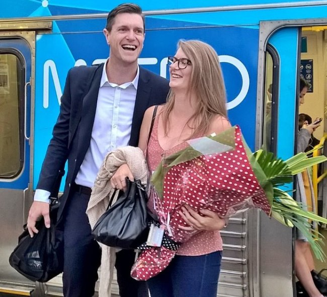 Couples that commute together, stay together. https://t.co/pLTIELfNEe