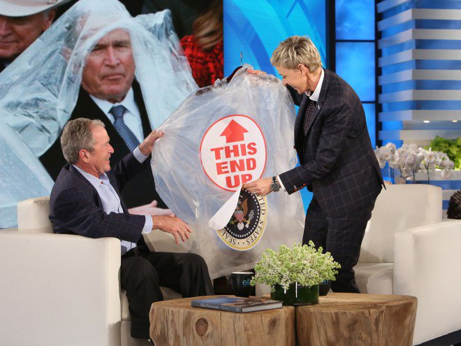 Ellen DeGeneres joked with George W. Bush about his poncho struggles: https://t.co/eOdvr1U17Y #TheEllenShow