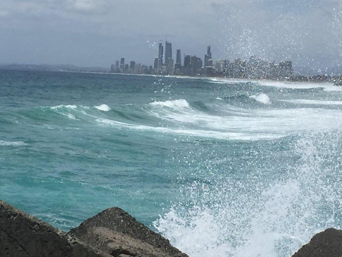 @the2jeans @AussieGiftShop @VickieChandler @saeeddaniel @GHETTOHEAT Greetings #FF have a great weekend #australia https://t.co/lYF0OIlzJA