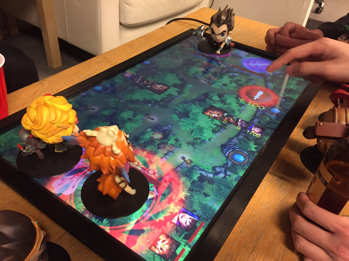 Going Analog On Twitter Catan And Other Digital Tabletop Games - Digital board game table