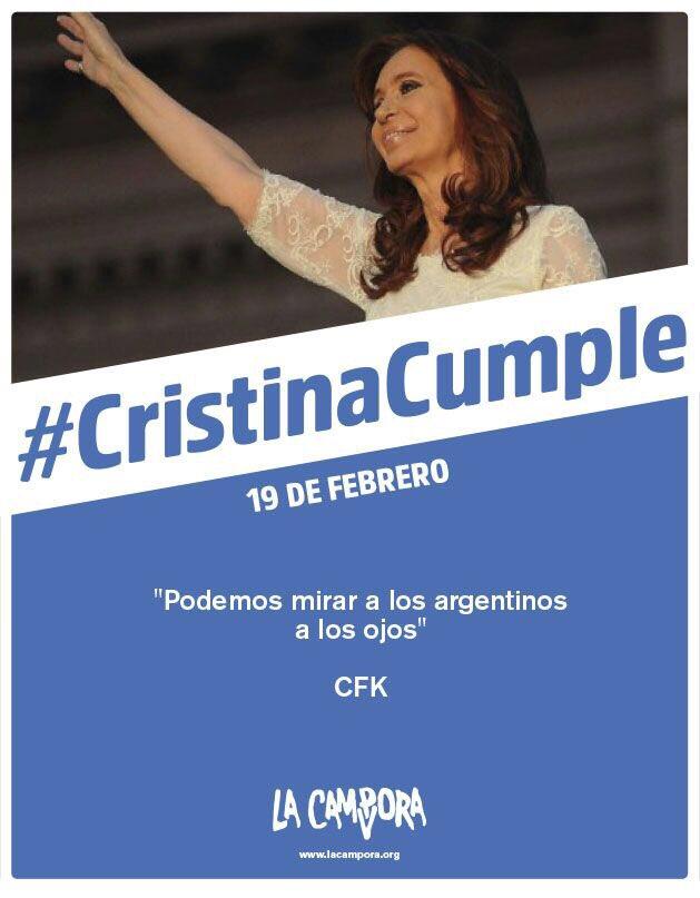 Mujer militante peronista @CFKArgentina el pueblo te abraza, siempre c...