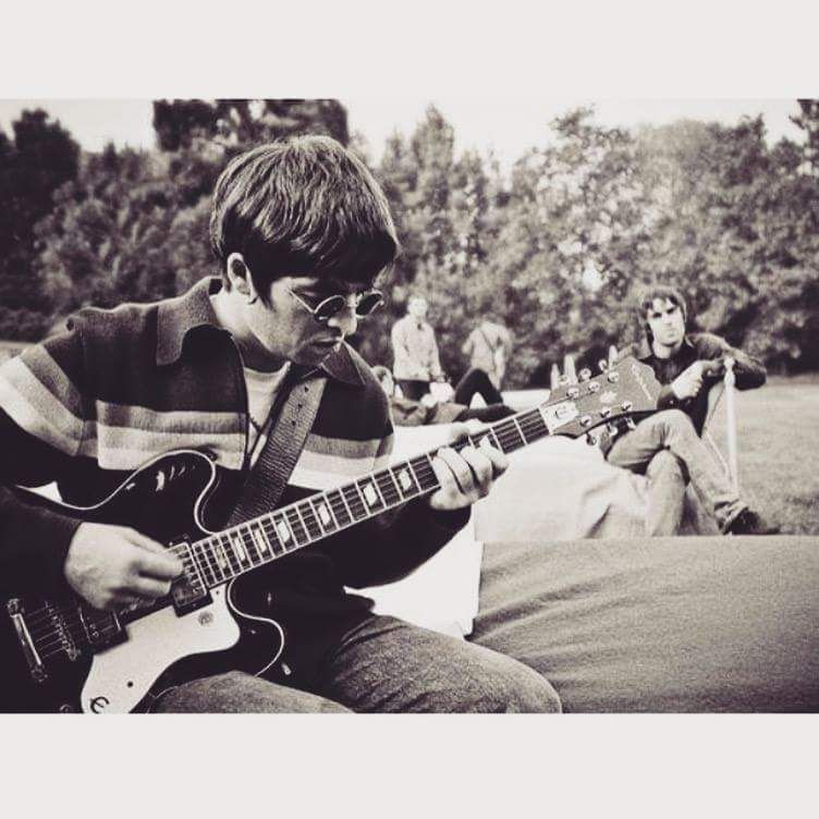 Slip inside the eye of your mind Don&#39;t you know you might find A better place to play... #oasis #dontlookbackinanger #masterpiece <br>http://pic.twitter.com/GWo0JSZCej