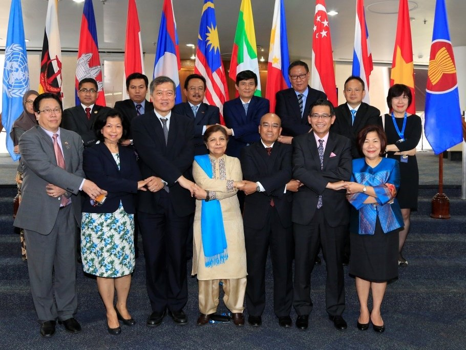 A role model for regional cooperation, #ASEAN celebrates its 50th. Here's how we are working together: https://t.co/l2U2S0jw7d #ASEAN50 https://t.co/sIBLVJv7x3