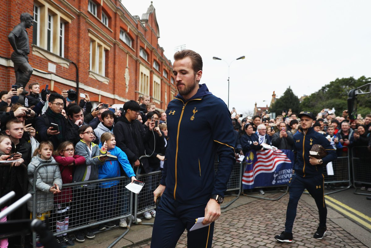 Mauricio Pochettino and Harry Kane arriving at Craven Cottage for this...