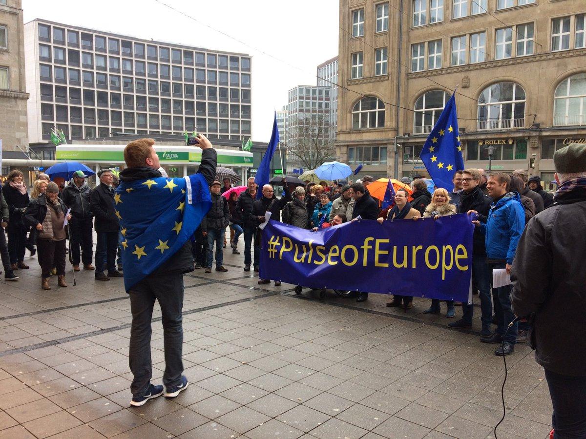 #pulseofeurope #Frieden #Menschenrechte #offeneGrenzen #offeneGesellsc...