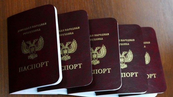 #Moscou reconnaît les #passeports des républiques autoproclamées de #Donetsk et de #Lougansk  http:// fr.azvision.az/Moscou-reconna %C3%AEt-les-passeports--35755-xeber.html#.WKmbn6nSvLo.twitter &nbsp; …  #Russie #Russia<br>http://pic.twitter.com/U1ZtqNFhKK