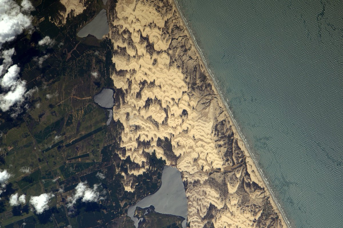 Le vent sculpte les dunes de sable sur une plage au sud du #Brésil… probablement un super spot de #kitesurf!  https:// flic.kr/p/Rtwj7Y  &nbsp;  <br>http://pic.twitter.com/FjNUoPyHL8