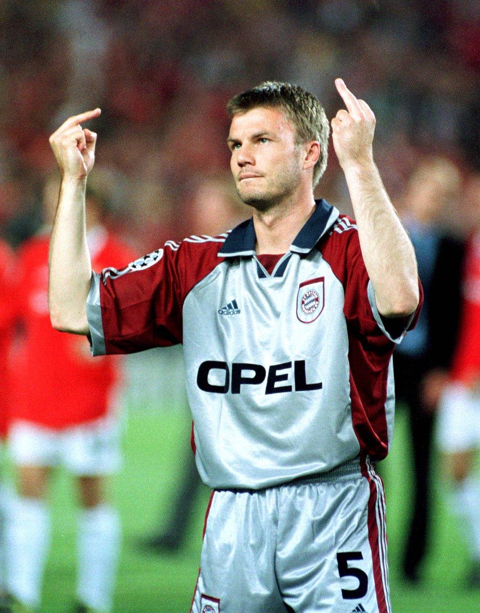 Thomas Helmer spricht über Mittelfinger ... 😜 #dopa @SPORT1_Dopa @SPOR...
