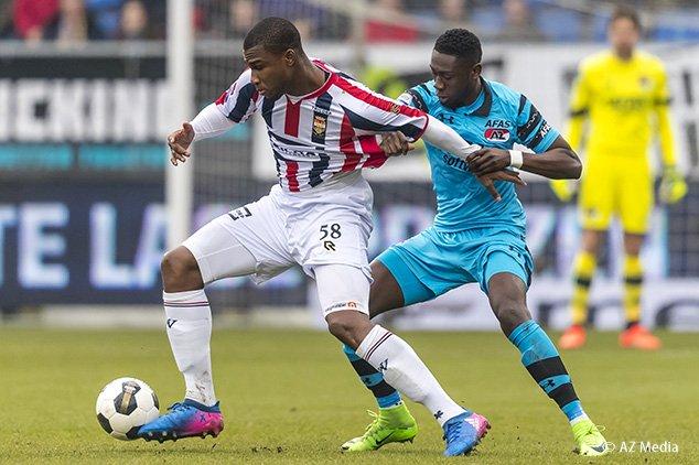 EINDSTAND: Willem II - AZ 1-1. (Goals: 71. Luckassen 0-1, 90+2. Falken...