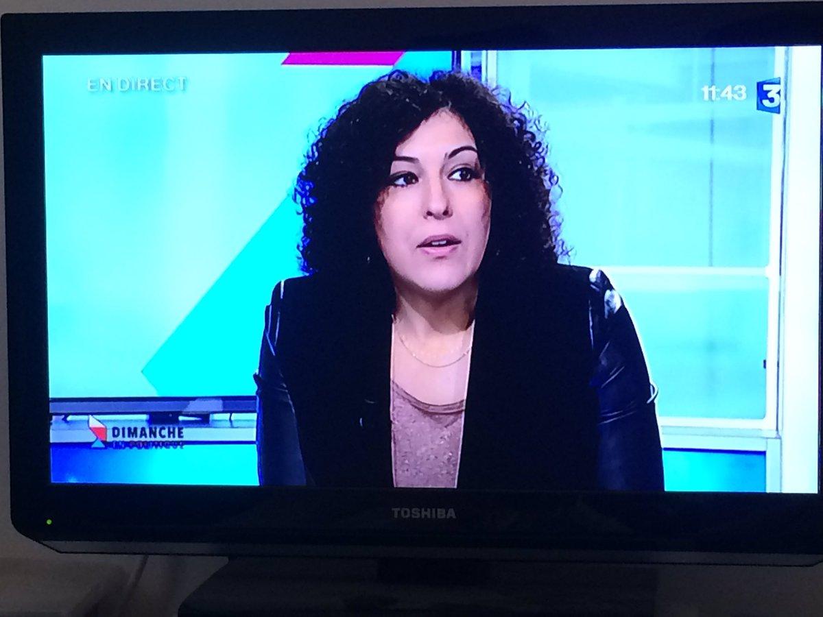 Excellente @AzzazNadege sur l&#39;impossibilité juridique de la baisse de la majorité pénale que propose #Fillon <br>http://pic.twitter.com/hV4eF8CEto
