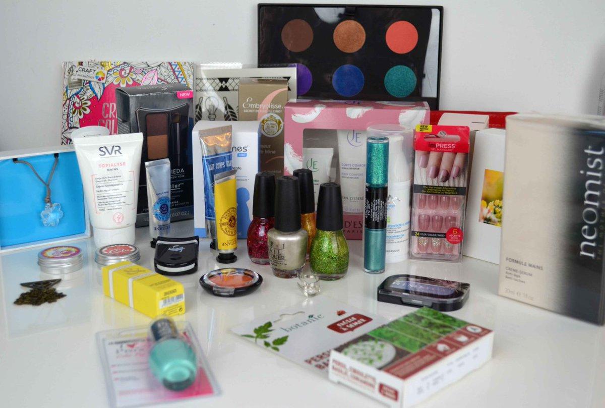 Dernières heures pour participer au #concours du #blog avec une box remplie de produits de #beauté à gagner  http:// bit.ly/2kaYuKe  &nbsp;  <br>http://pic.twitter.com/ilfJcHh4Gl