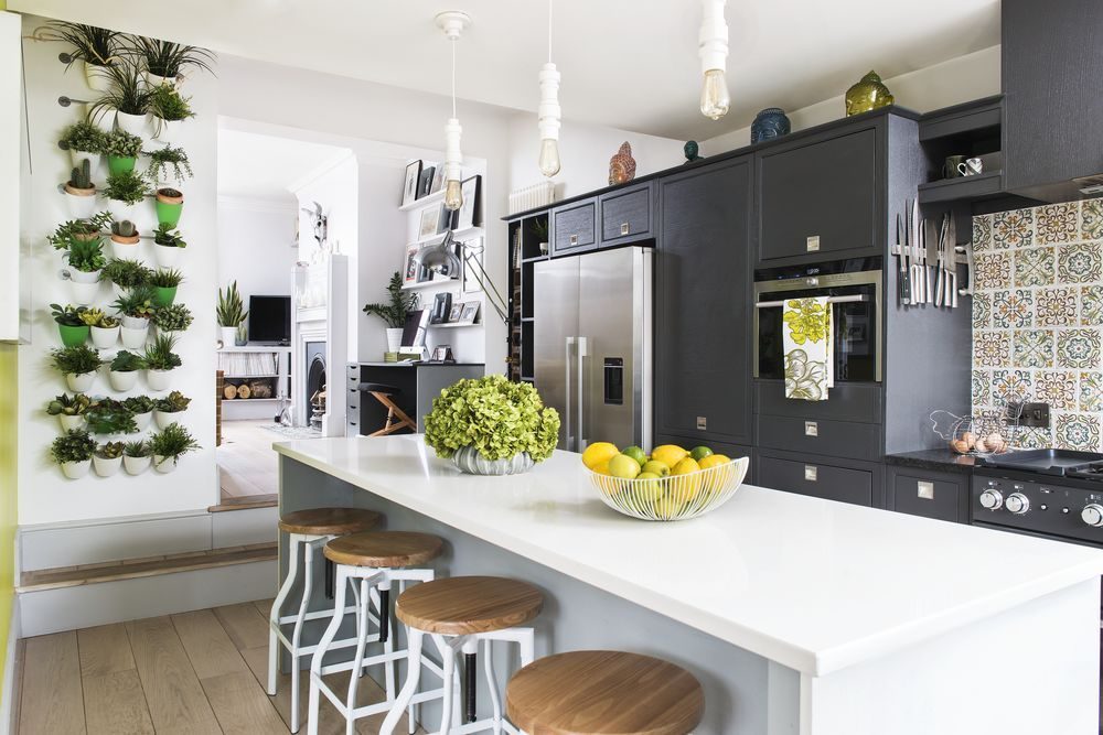 This kitchen is the perfect example of bringing the outside in https:/...