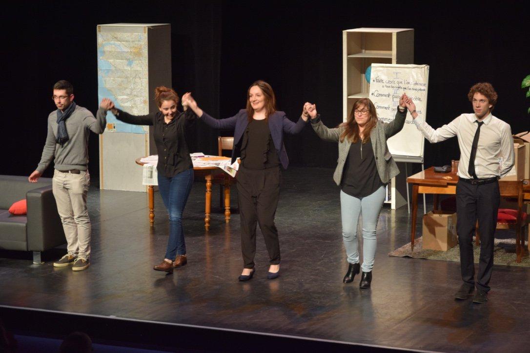 Merci @olonnesurmer pour la première, un grand moment de #theatre hier pour #Vocascene !!! #comedy #Vendee #eplv #art #scene #stage<br>http://pic.twitter.com/OvOruPaF0e