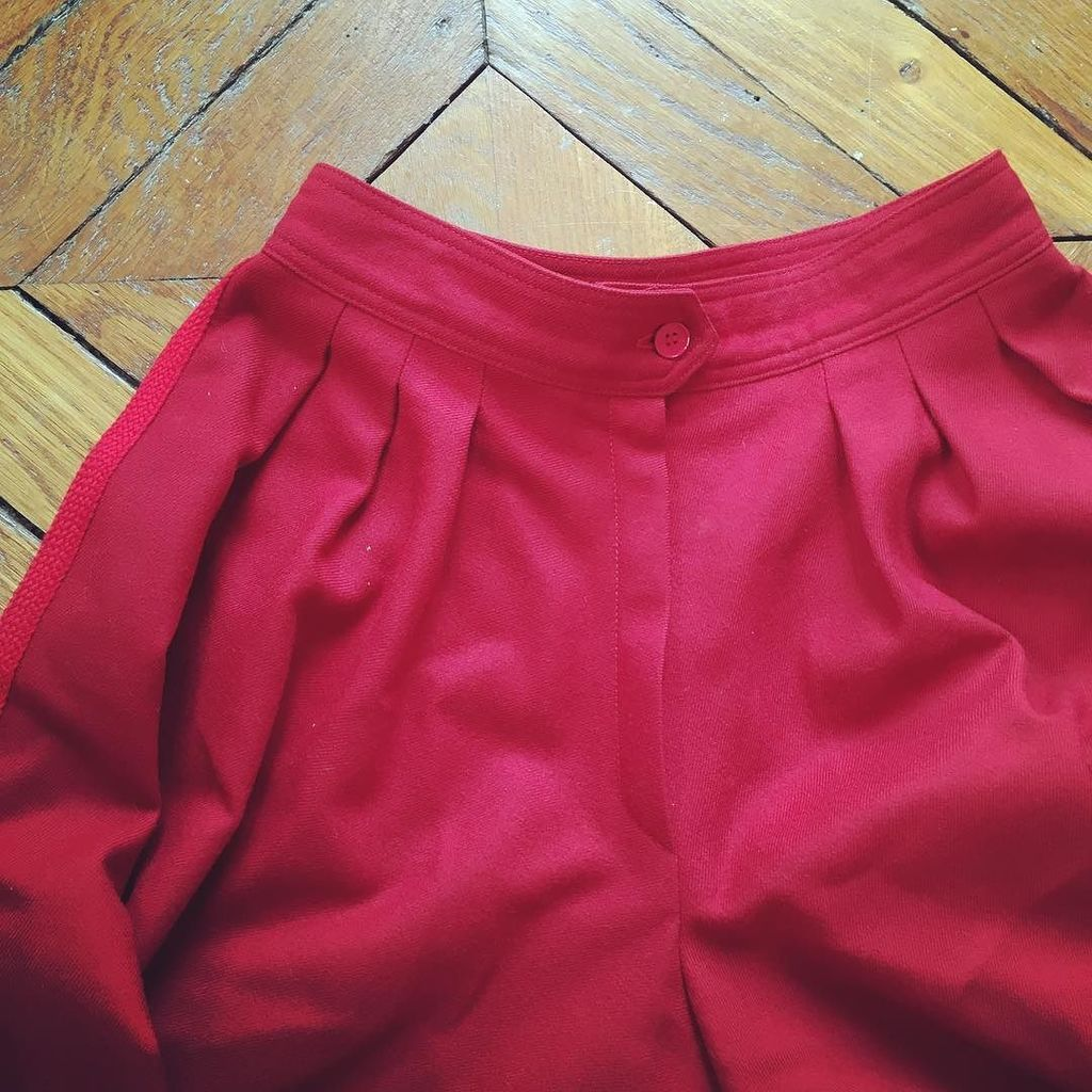 Détail #jupe-culotte #seventies #infinitif gansée effet jupe! #masterpiece #original #seve…  http:// ift.tt/2kVJkJo  &nbsp;  <br>http://pic.twitter.com/wTbupWOd7O