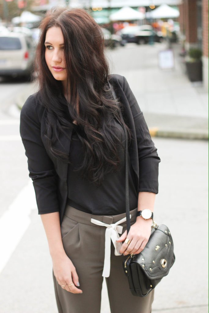 #SundayMorning in #joggers from #Aritzia #spring #trends by blogger @ktysire #PortMoody #ootd #fashionista<br>http://pic.twitter.com/22FWMfZZYo