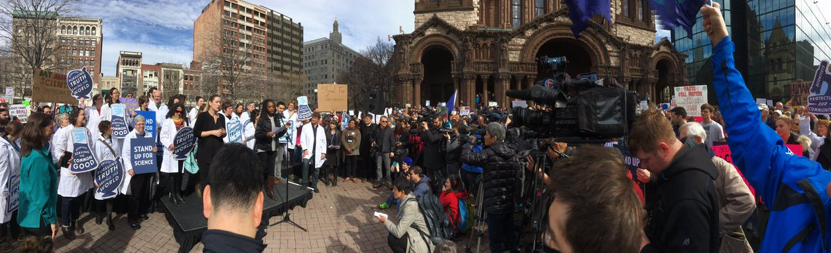 #standupforscience rally in Boston draws thousand to Copley Square. #AAASmtg https://t.co/D7wcn1efuG