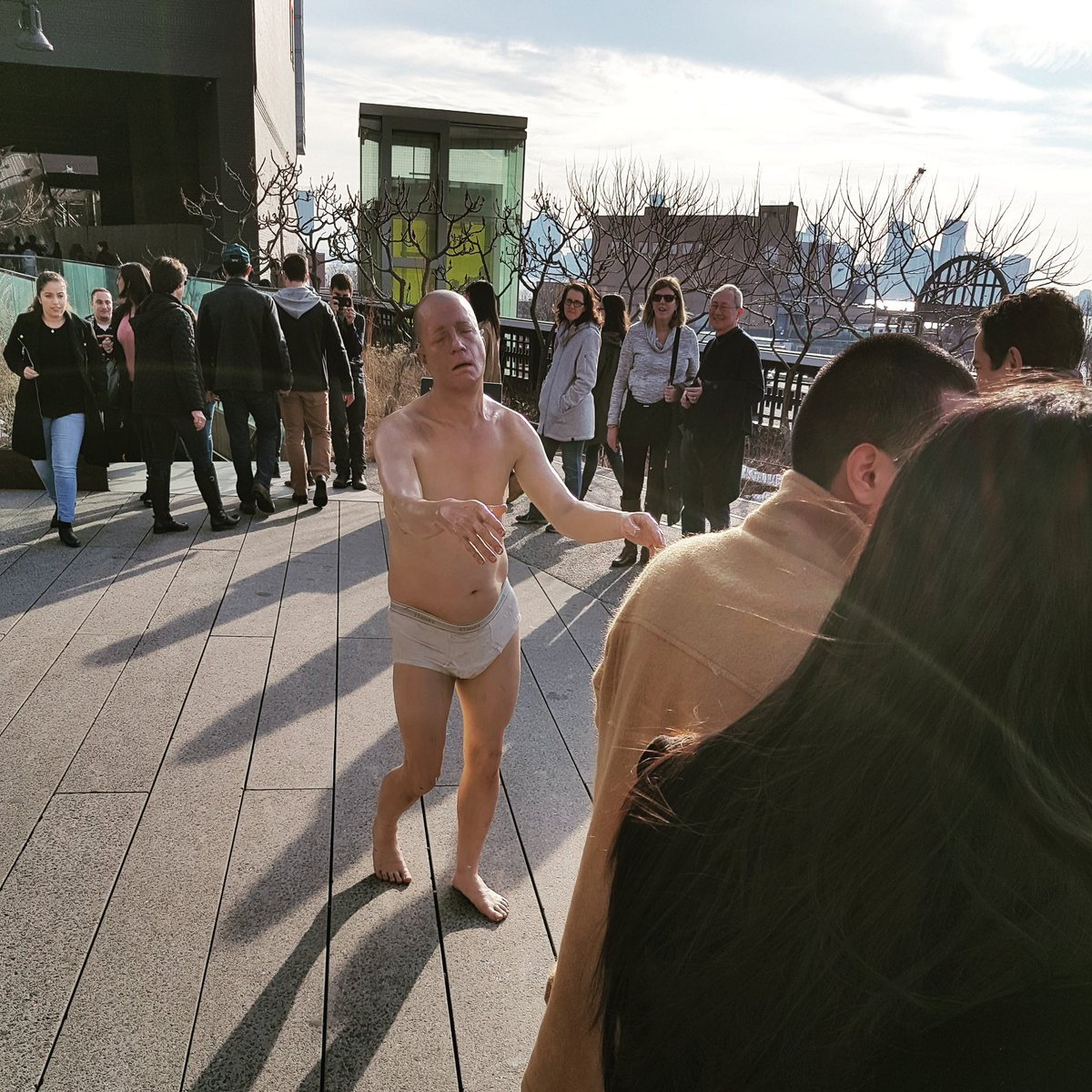 Normal. Ouais normal.  #trip #travel #frenchpeopleeverywhere #thehighline #NYC #newyorkcity #usa #america #creepy<br>http://pic.twitter.com/w7ltyB3n3m