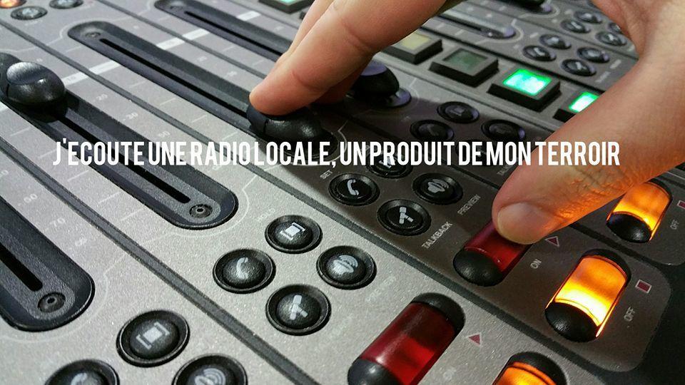 J&#39;aime ma #radio locale, un produit de mon #terroir ! Facebook :  http:// bit.ly/2fVurIu  &nbsp;  <br>http://pic.twitter.com/KnaV5k9CzO