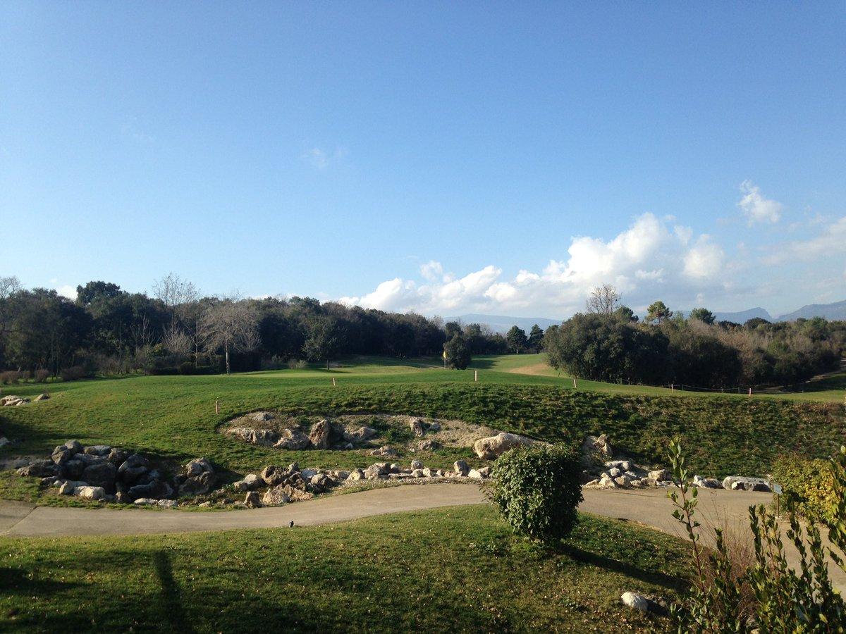 Bon dimanche à tous  le Provençal #golf #biot #sun #patisserie #teaforte @hcotedazur @VisitCotedazur @TOURAZUR #CotedAzurNow #cielbleu<br>http://pic.twitter.com/VFy02wXWDa