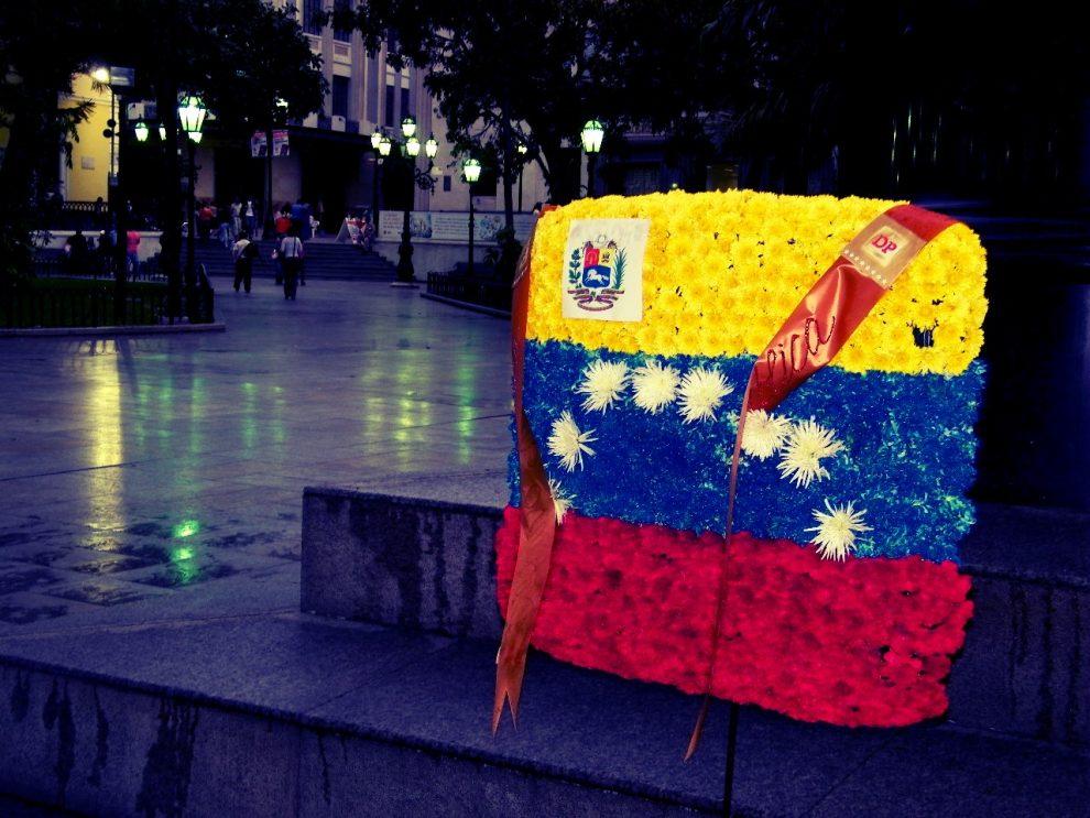 #VenteYOpina|| La Venezuela que nos abandonó | Por Pedro Urruchurtu...