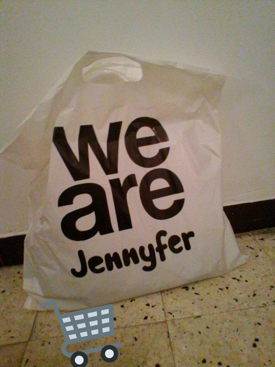 Nouvelle fringues pour la rentree #Jennifer <br>http://pic.twitter.com/rJTkwQp6I8