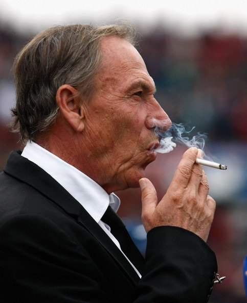 Pescara haven't won a game since August.  Zeman comes in and wins 5-0 in his first match.   #Zemanlandia https://t.co/xchksChdPZ