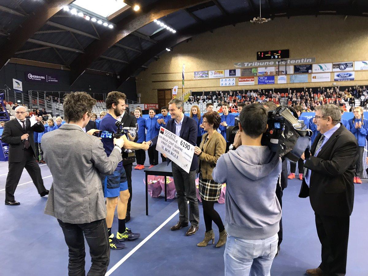 .@_bourguinho  remporte la 24ème édition du @ChallengerChbg 6-3 7-6 au terme d&#39;une finale enlevée ! #Cotentin #Cherbourg #Normandie<br>http://pic.twitter.com/mgzbZ2Asow