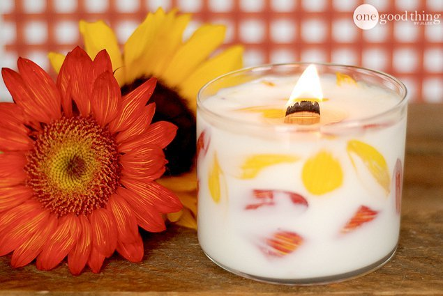 DIY Floral Candle – The Perfect Handmade Gift Idea!