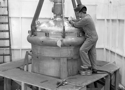 """A simple and """"SMAHTR"""" way to build a molten salt reactor, from Canada  http://www. the-weinberg-foundation.org/2013/04/12/a-s imple-and-smahtr-way-to-build-a-molten-salt-reactor-from-canada/ &nbsp; …  #MSR #nuclear #uranium #thorium <br>http://pic.twitter.com/l9kJMgRW0s"""