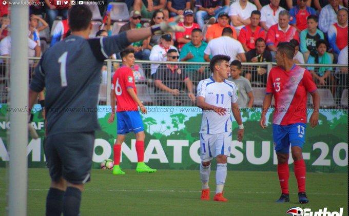 Campeonato CONCACAF 2017: El Salvador 1 Costa Rica 0. C5EVSosVYAAnIDR