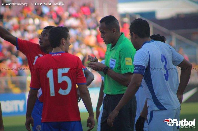 Campeonato CONCACAF 2017: El Salvador 1 Costa Rica 0. C5EYQ6pXAAAbcZO