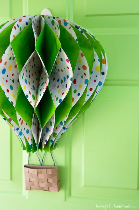 Hot Air Balloon Spring Wreath