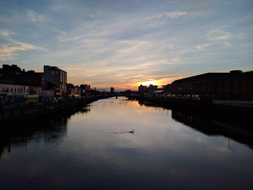 Time for a Monday morning swim.. Good morning #Cork  @barrabest @kcsho...