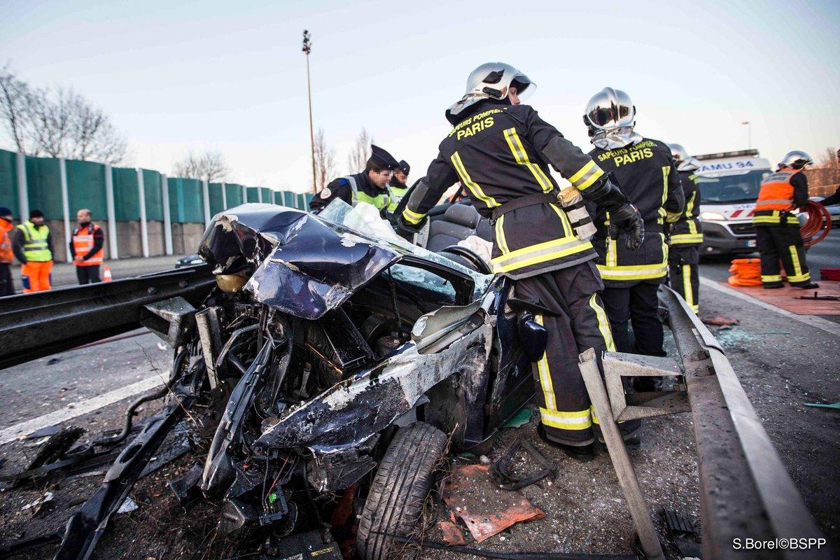 #DansLesBouchonsYaToujours des accidents ! Soyez vigilants et gardez v...
