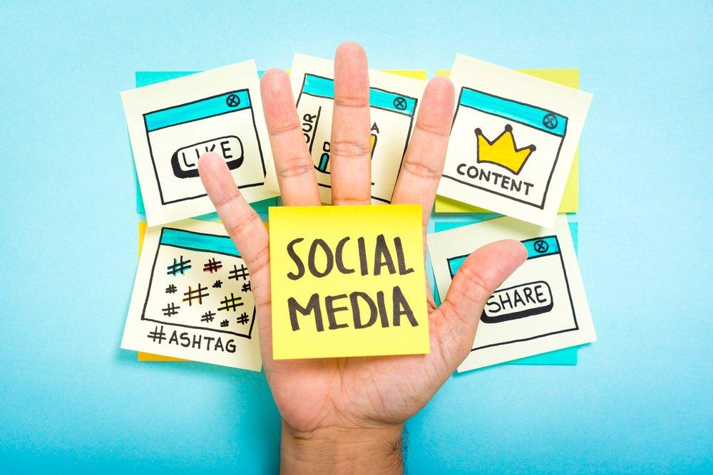 Les #réseauxsociaux, outils indispensables au #recrutement ?  http:// ow.ly/rGLl3096BxP  &nbsp;   #SocialMedia #Sourcing<br>http://pic.twitter.com/5wteAQuJW5
