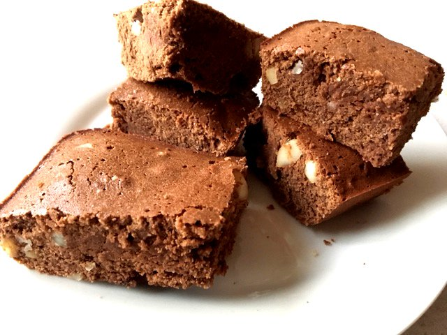 Macadamia Bourbon Brownies