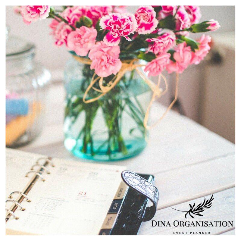 Bon début de semaine avec #dinaorganisation  #workinprogress #WeddingPlanner #planning #lyon #lyonnaise #bridal #Flowers #weddingday<br>http://pic.twitter.com/Pky5VXis94