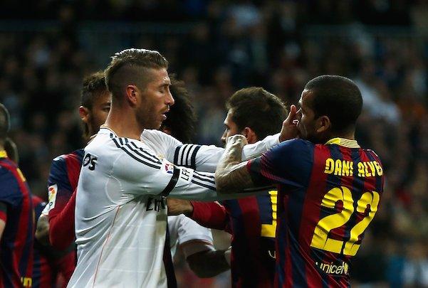Alves: 'Ramos no hizo tanta historia en el Sevilla como para pedir res...