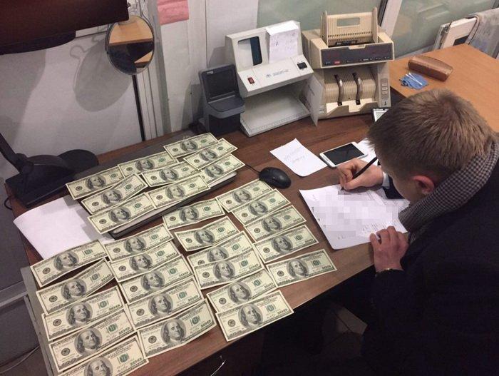СБУ затримала за хабарництво члена Консультативної ради при Генпрокуратурі та начальника одного з відділів Броварської місцевої прокуратури