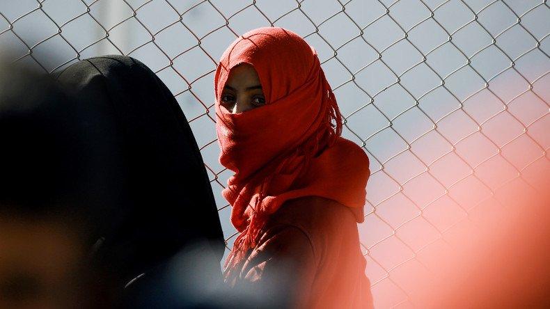 Des femmes battues, mariées de force et violées devant leurs enfants par #Daesh en #Irak  https:// francais.rt.com/international/ 34223-femmes-sunnites-mariees-force-violees-battues-daesh-irak &nbsp; … <br>http://pic.twitter.com/hbelY99iTb