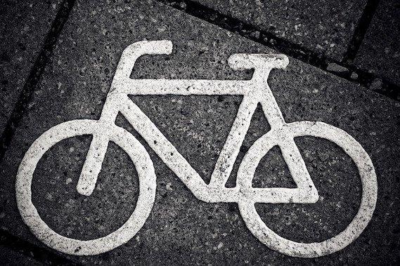 Un bonus de 200 € pour les vélos à assistance électrique, un bon début !  http://www. rac-f.org/Un-bonus-de-20 0-EUR-pour-les-velos-a-assistance-electrique-un-bon-debut &nbsp; …  #vélo #climat #santé<br>http://pic.twitter.com/1vFhota9M2