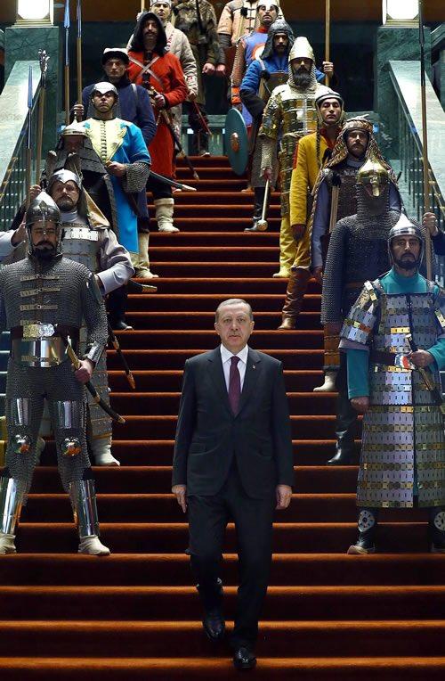 La France s&#39;égare dans la repentance. La Turquie valorise son passé. C&#39;est le seul mérite que j&#39;accorde à #Erdogan. <br>http://pic.twitter.com/3JAncc2aVz