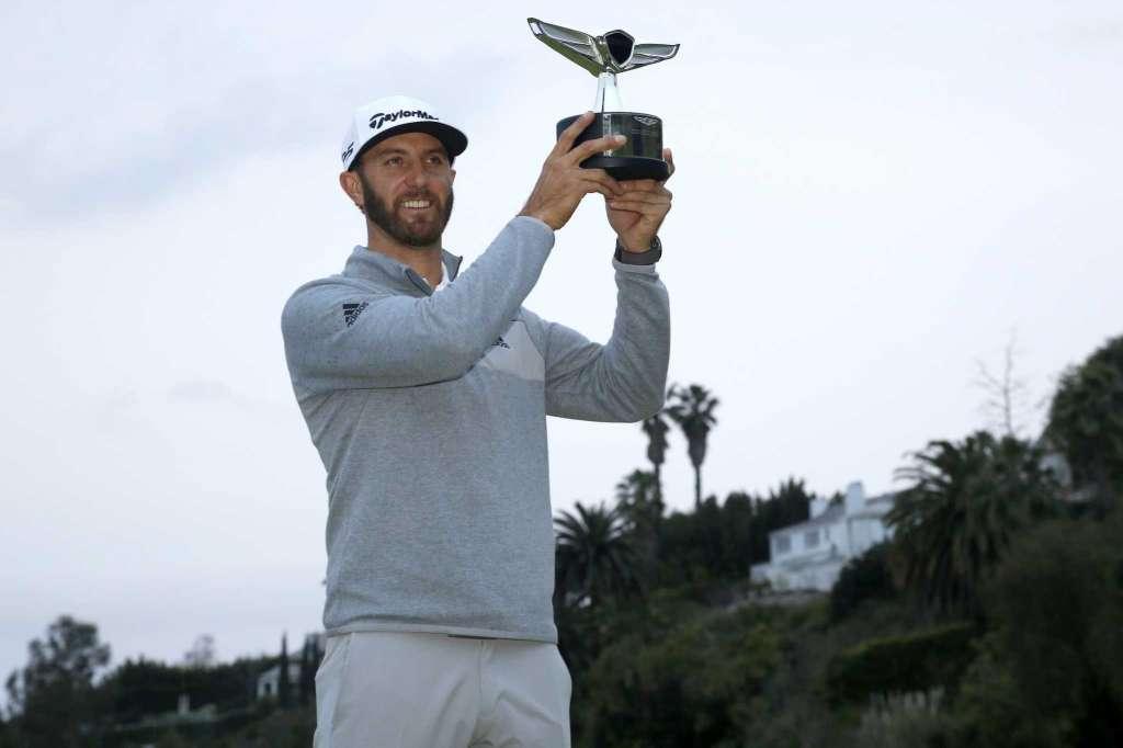 Le #golf a un nouveau numéro 1 mondial : @DJohnsonPGA !  http:// fairways-mag.com/dustin-johnson -nouveau-n1-mondial/ &nbsp; … <br>http://pic.twitter.com/q9BuoVfb4w