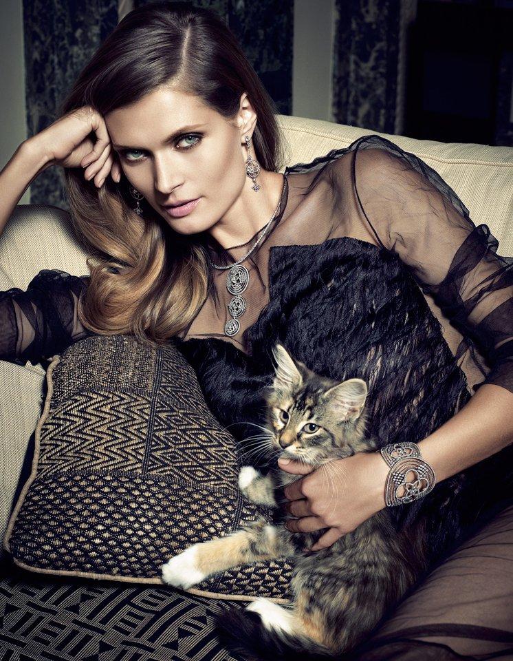 2月22日は「猫の日」ということ、ご存知? ネコと女、切っても切れない艶やかな関係。 https://t.co/pGcNs8HfUc htt...