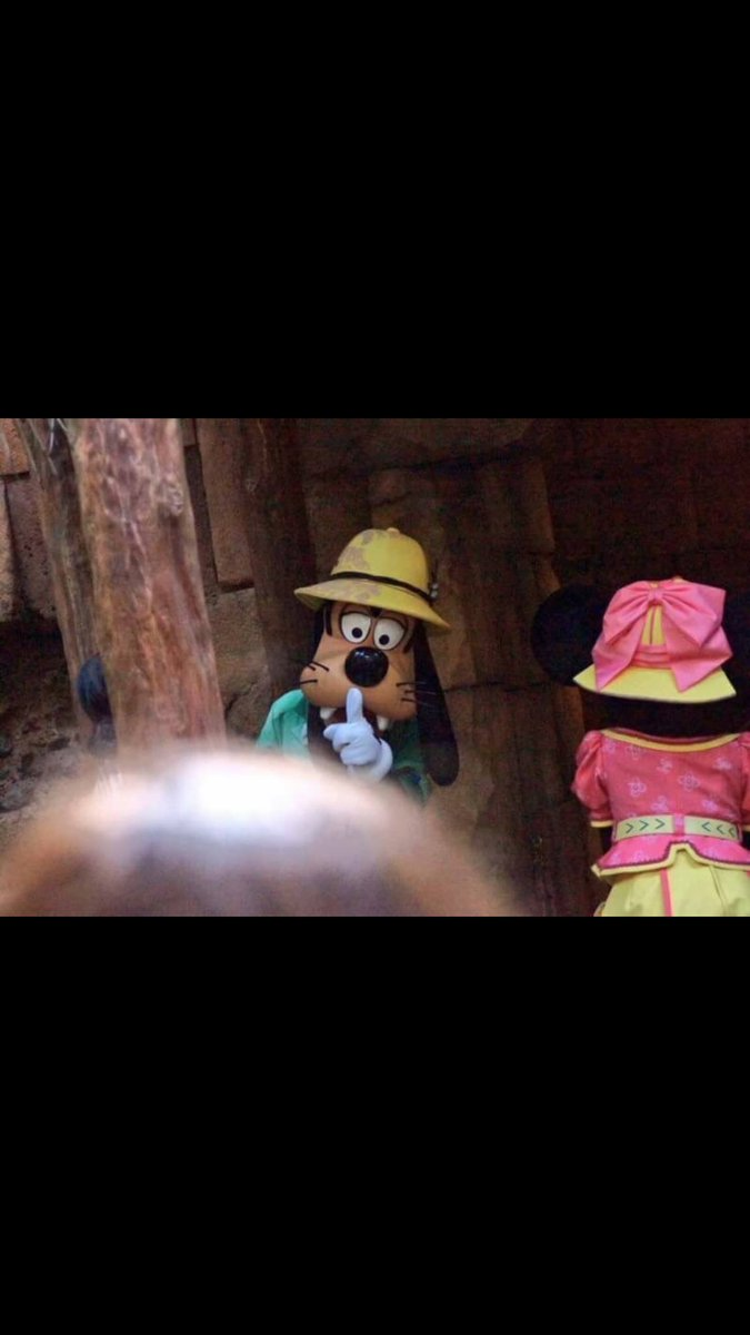 【衝撃】ミニーちゃんの浮気現場を目撃しているミッキーが怖いwww