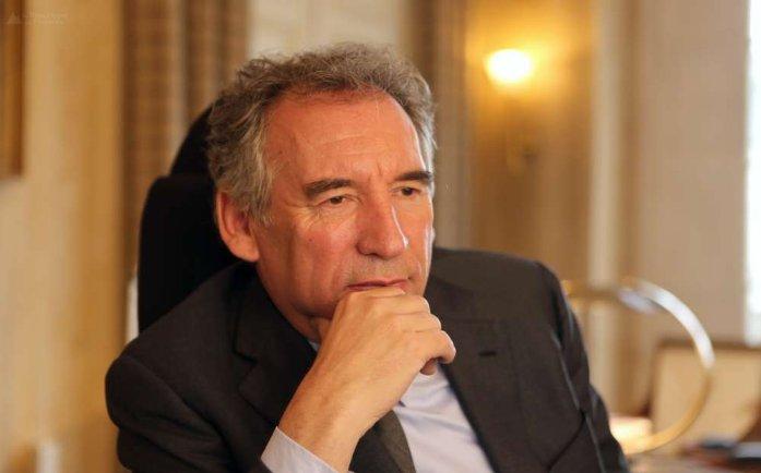 Fin du suspens, réponse mercredi 16h30 ! #Bayrou #Presidentielle2017 H-48 @MoDem @J_Democrates @LesJeunesBayrou  http://www. larepubliquedespyrenees.fr/2017/02/20/pre sidentielle-bayrou-a-pris-sa-decision-et-l-annoncera-ce-mercredi,2099534.php &nbsp; … <br>http://pic.twitter.com/KoBi40UeYg